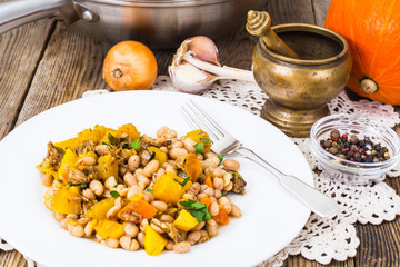 White beans stewed with meat and vegetables