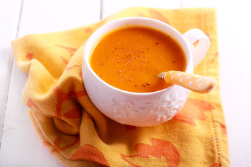 Carrot and orange soup with nutmeg