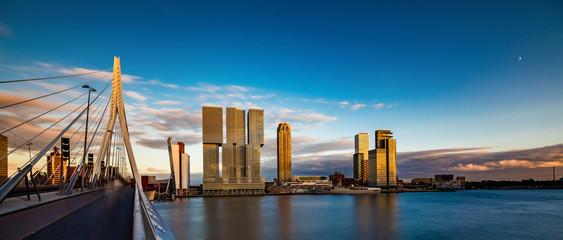 Spoed Fotobehang Rotterdam Erasmus Brücke, Rotterdam, Holland, Niederlande