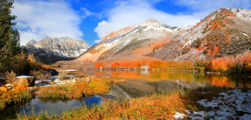 North lake landscape in Sierra Nevada mountains Wall mural