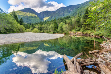 very serene landscape and reflection at Golden ears provincial park, british Columbia, Canada. On an easy day hike to lower falls. Fototapete
