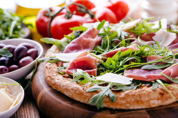 Printed roller blinds Pizzeria Frische Pizza mit Schincken und Rucolla
