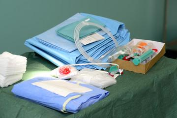 Krankenhausbedarf Abdeckücher auf einem Haufen