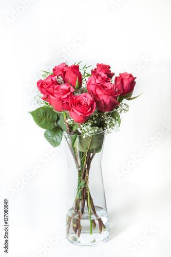 rote rosen stockfotos und lizenzfreie bilder auf bild 137088849. Black Bedroom Furniture Sets. Home Design Ideas