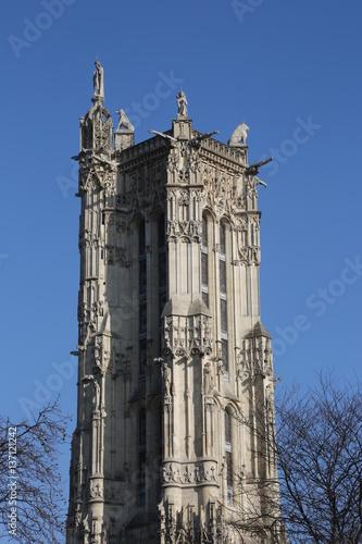 la tour saint jacques paris seul vestige de l 39 glise saint jacques de la boucherie d truite. Black Bedroom Furniture Sets. Home Design Ideas