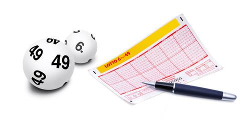 Lottokugeln mit Lottoscheon