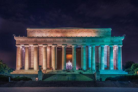 Washington DC, United States: Abraham Lincoln Memorial at night