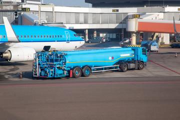 Flughafen - Tankwagen