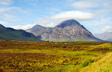 This impressive montain is otherwise known as the Shepherd of Glenco and is seen as you approach Glencoe from Rannoch Moor.