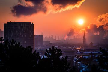 Stadt, Sonne, Luft