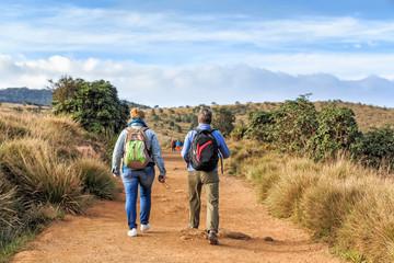 Foto op Aluminium Afrika Group of travelers hike in Horton Plains