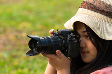 Photographer young girl ready shutter picture