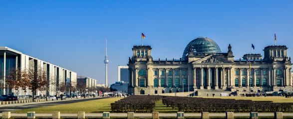 Berlin Reichstag Panorama mit Regierungsgebäuden