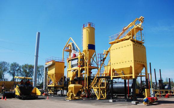 mini factory for the production of modern asphalt