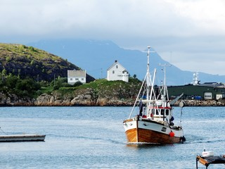 Fishing boat coming into Bodø