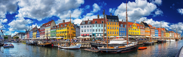 Colorful houses at Nyhavn, Copenhagen, Denmark Wall mural