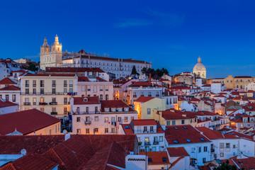 Vista de Alfama anoitecer em Lisboa
