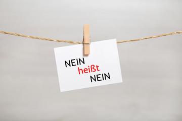 Zettel mit Aufschrift: Nein heißt nein