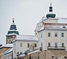 Schloss Ennsegg mit Stadtturm Enns, der 60m hohe Stadtturm ist das Wahrzeichen der ältesten Stadt Österreichs, Enns, Oberösterreich, Österreich