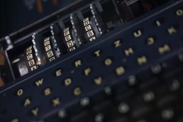 Chiffriermaschine | Enigma | Ver- und Entschlüsselung