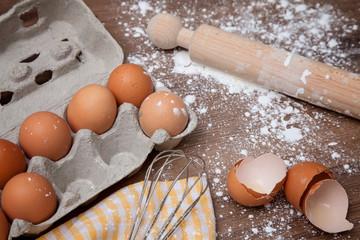 contenitore per uova e gusci rotti