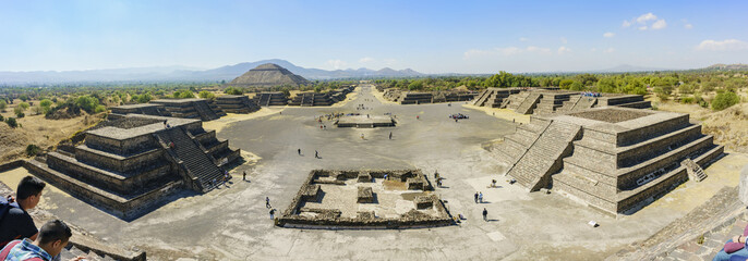 Pyramid of the Sun and Avenue of the Dead