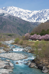 陽春の白馬岳と松川