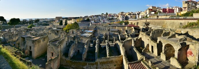 Papiers peints Ruine Bird's eye view of ruins of ancient Herculaneum (Ercolano), Italy (panorama)