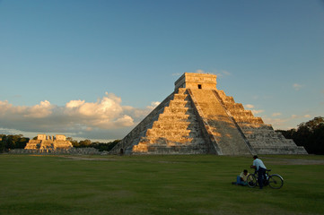 Temple of Kukulkan / Chichen Itza, Mexico