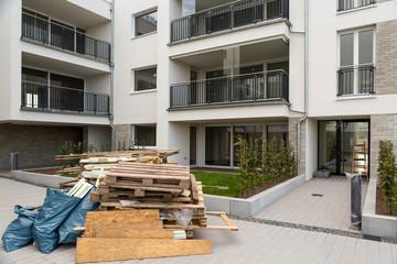 Müll vom Umzug ins neue Haus Wohnung einziehen