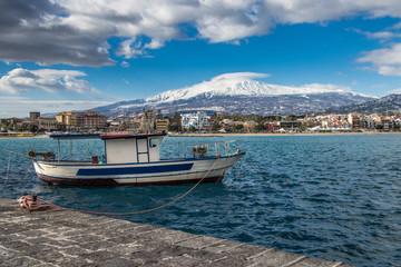 Etna, barca e mare