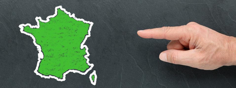 Carte de France Verte à la craie et montrer du doigt sur ardoise
