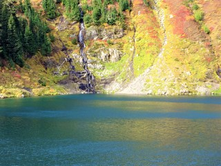 Autumn colored Twin Lakes near Winchester Mountain in Washington State