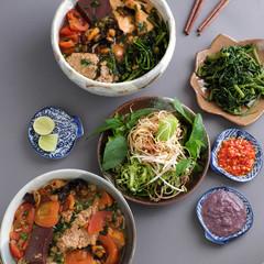 Vietnamese food, bun rieu and canh bun