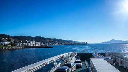 Auf der Fähre - Reise mit dem Wohnmobil durch Norwegen