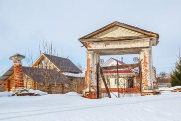 Нижегородская область, северные ворота вокруг церквей в селе Николо-Погост