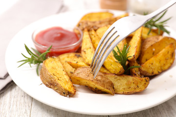 rustic potato with ketchup
