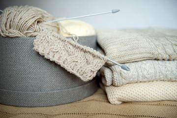 коробка с вязанием