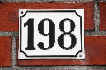 Hausnummer 198