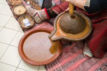 Processing argan seeds