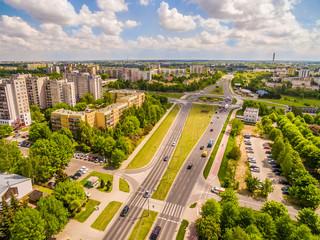 Lublin z lotu ptaka. Dzielnica Czuby widziana z powietrza. Droga z rondem.