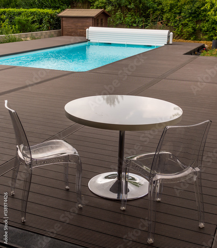 Table au bord de la piscine stock photo and royalty free for Au bord de la piscine
