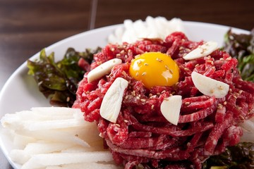 yukhoe, Korean-style raw beef