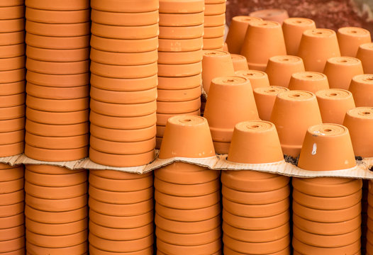 empty terracotta pots