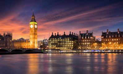 Wall Mural - Sonnenuntergang hinter dem Big Ben und der City of Westminster in London