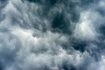 Spoed Fotobehang Hemel Dark storm clouds