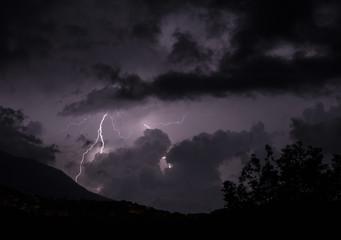lampo nella notte