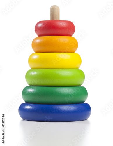 buntes holz spielzeug f r kleinkinder in regenbogen. Black Bedroom Furniture Sets. Home Design Ideas