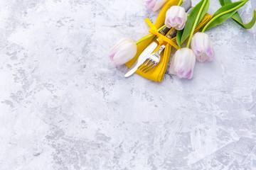 Rustic spring table settings