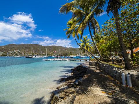 Blick auf die Bucht vor Port Elisabeth, , Port Elisabeth, Bequia, Inseln über dem Winde, , Kleine Antillen, , Grenadinen,  St. Vincent und die Grenadinen, Mittelamerika, Karibik